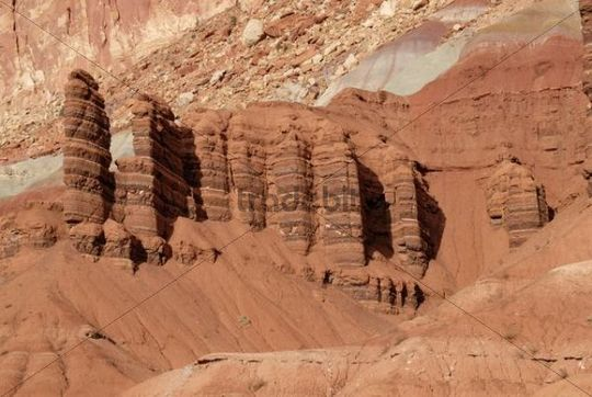 Rock towers and ridges, sandstone layers in different shades of red, Moenkopi Formation, Scenic Drive, Capitol Reef National Park, Utah, USA