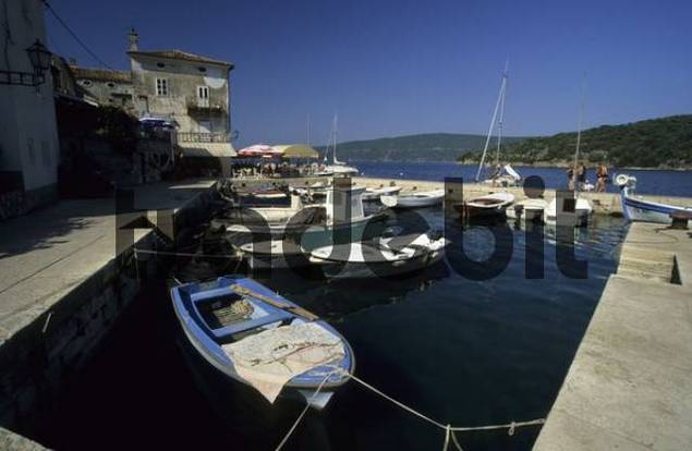 boats in the harbor of Valun