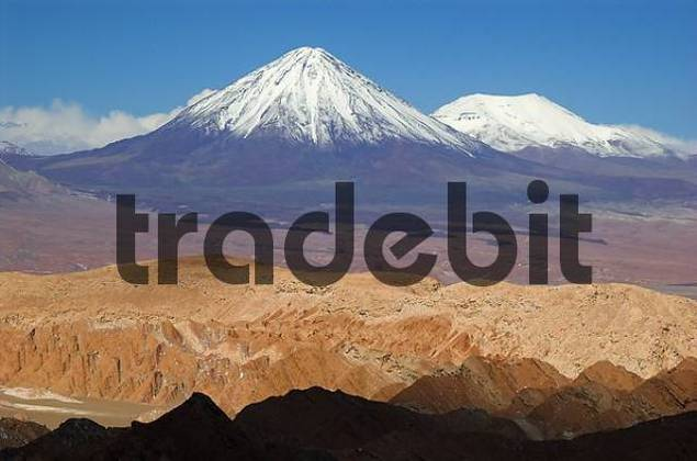 View from Death Valley Valle de la Muerte to Licancabur volcano, Atacama desert, northern Chile, South America