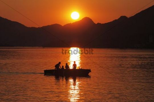 Evening mood in Strobl, Wolfgangsee lake, Salzkammergut region, Upper Austria, Austria, Europe