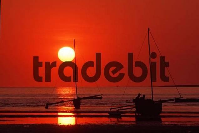 Pirogue/log-boat at sunset on Indian Ocean, Tulear, Madagaskar