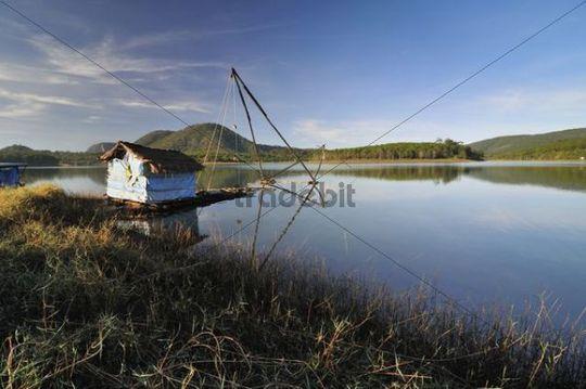 Fisherman´s hut on the bank of the Tuyen Lam lake, Dalat, Central Highlands, Vietnam, Asia