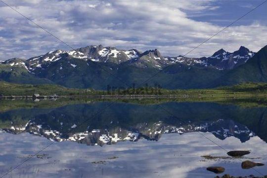 Vatnfjorden, Austvagoeya Island, Lofoten Islands, Norway, Scandinavia, Europe