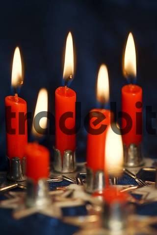 red burning candles