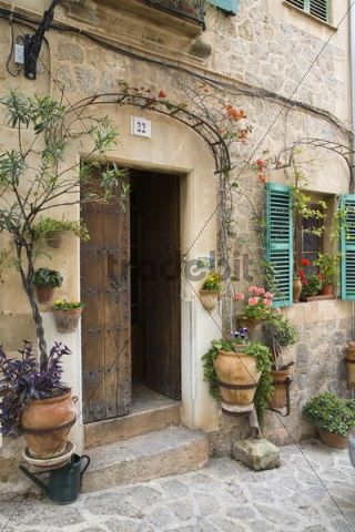 Picturesque door in Valldemossa, Tramuntana Mountains, Mediterranean Sea, Mallorca, Majorca, Balearic Islands, Spain, Europe