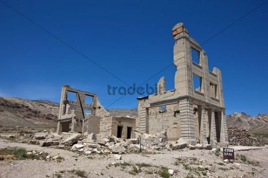Ruins of the Cook Bank, Rhyolite ghost town, Beatty, Nevada, USA