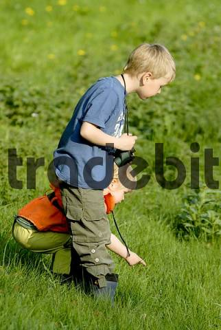 little explorers, kids on an exploration tour