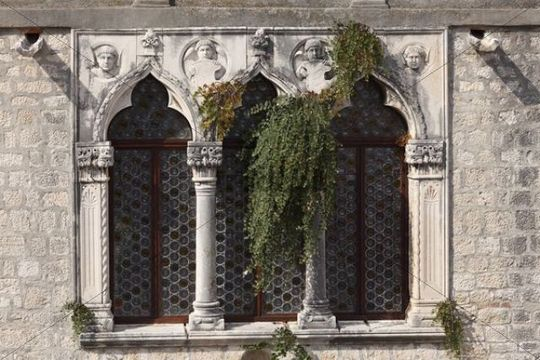Fenster von Palais Cipiko, Trogir, Dalmatien, Kroatien, Europa
