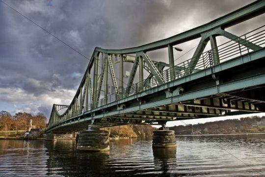 Glienicker Bruecke bridge between Berlin and Potsdam, former unofficial border crosing between West Berlin and the GDR, Potsdam, Germany, Europe