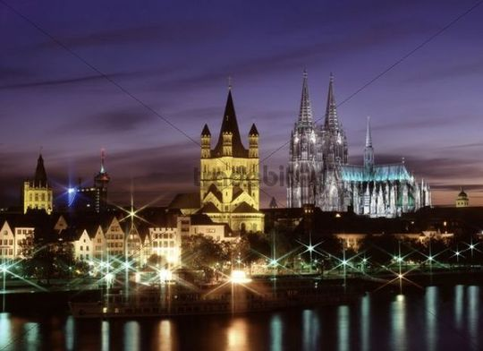 Cologne Cathedral and Rhine river, night view, Cologne, North-Rhine Westphalia, Germany, Europe