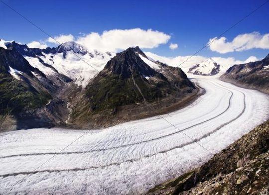 Aletschgletscher glacier in the Bernese Alps, Switzerland, Europe