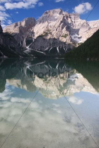 Braies lake with Mt Seekofel, South Tyrol, Italy, Europe