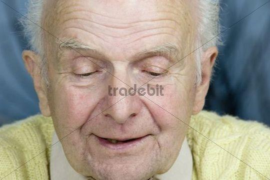 Elderly man having a conversation, talking, Germany, Europe