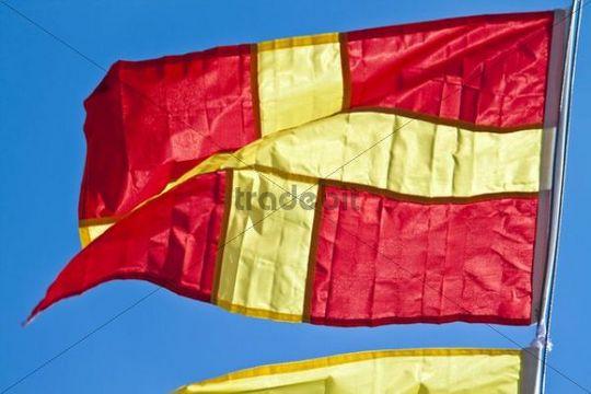 Signal flag for the letter R, international maritime signal flag, international code of signals
