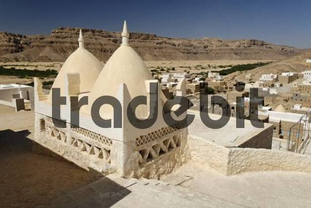 grave site of the prophet Hud, pilgrimage site of Gabr Hud, Qabr Hud, Wadi Hadramaut, Yemen