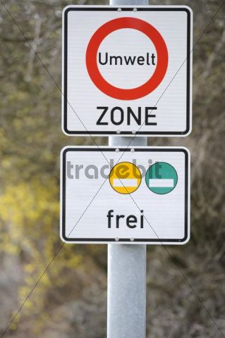 Sign Umweltzone, German for environmental zone, restricted area for vehicles with red environmental badges, only yellow and green badged vehicles allowed
