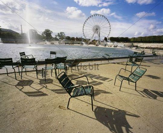 Park, ferris wheel at back, Paris, France, Europe