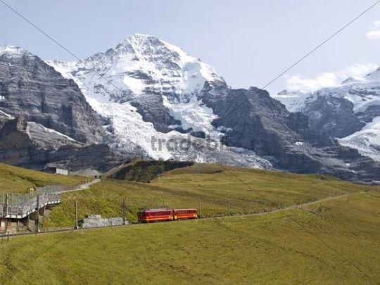 Scheidegg railway, snow-covered mountains, Bernese Oberland, Alps, Switzerland, Europe