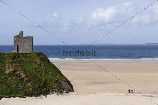 Ballybunion Castle and Ladies Beach, Ballybunion, County Kerry, Ireland, British Isles, Europe
