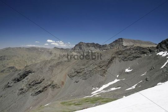 View from Pico del Veleta, 3384m, to Mulhacen, 3482m, Sierra Nevada National Park, Andalucia, southern Spain, Europe