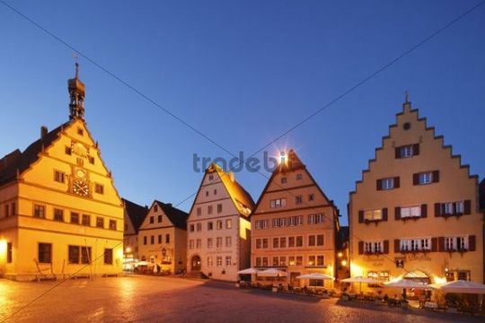 Market square and Ratstrinkstube inn, Rothenburg ob der Tauber, Romantic Road, Middle Franconia, Franconia, Bavaria, Germany, Europe