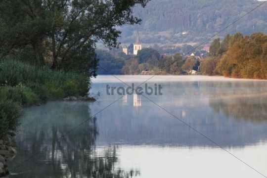 Morning mood on the Main River, Lohr am Main, Mainfranken, Lower Franconia, Franconia, Bavaria, Germany, Europe