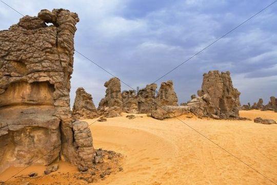 Stone desert, Tassili Maridet, Libyan Desert, Libya, Sahara, North Africa, Africa