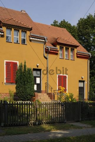 Falkenberg Garden City, also known as Paint Box Estates, housing estate of the Berlin Modern designed by Bruno Taut, UNESCO World Heritage Site, Gartenstadtweg 16-18, Altglienicke, Treptow, Berlin