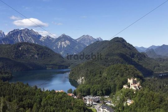 View from Jugend lookout point over Lake Alpsee and Schloss Hohenschwangau Castle towards the Tannheimer Mountains, Ostallgaeu, Allgaeu, Schwaben, Bavaria, Germany, Europe