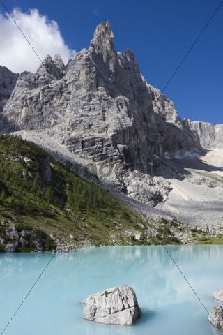 Sorapiss Lake and Mount Dito di Dio, 2603 m, Gruppo del Sorapiss, Dolomites, Alto Adige, South Tirol, Alps, Italy, Europe