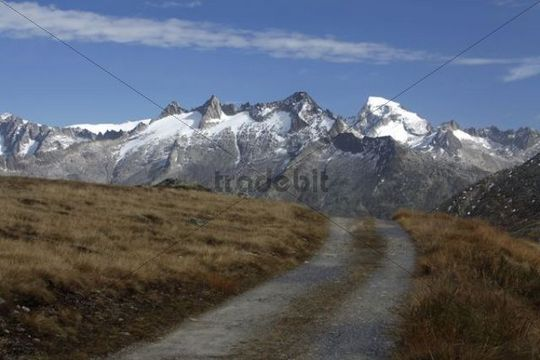 View from Triebtenseewli towards the Gaerstenhoerner Mountains, Grimsel Pass, Bern, Switzerland, Europe