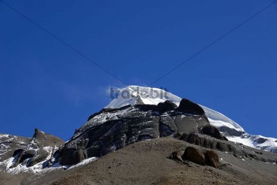 Tibetan Buddhism, snow-capped sacred mountain of Mount Kailash with a snow shower, 6714 m, west side with Kora, Gang Rinpoche and Gang-Tise Mountains, Trans-Himalaya, Himalayas, Western Tibet, Tib