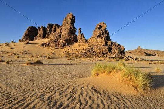 Sandstone rock formation on Tasset Plateau, Tassili n´Ajjer National Park, Unesco World Heritage Site, Wilaya Illizi, Algeria, Sahara, North Africa, Africa