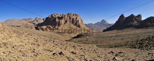 Volcanic landscape of Atakor near Assekrem, Hoggar, Ahaggar Mountains, Wilaya Tamanrasset, Algeria, Sahara, North Africa