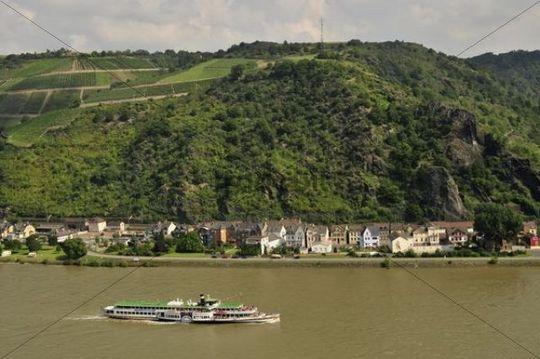 Paddle steamer on the Rhine River near St. Goarshausen, Rhineland-Palatinate, Germany, Europe