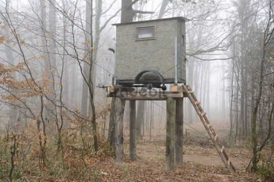 Mobile hunting hide, Rehgras, hiking trail on Hocheck Mountain, Triestingtal, Lower Austria, Austria, Europe