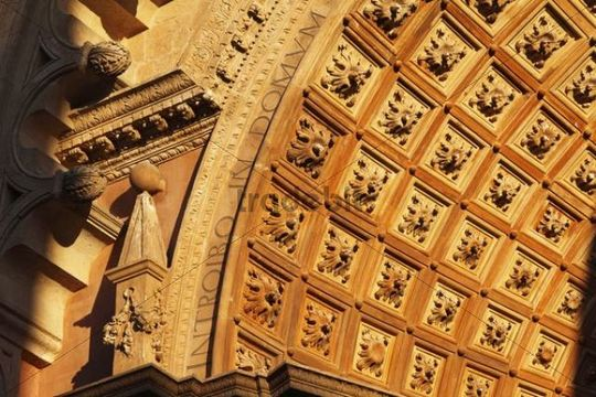 Detail at the main entrance, Porta de l´Almudaina, La Seu Cathedral, Palma de Majorca, Majorca, Balearic Islands, Spain, Europe
