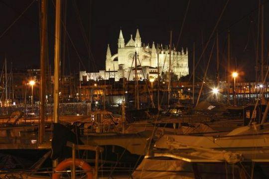 Port and La Seu Cathedral, Palma de Majorca, Majorca, Balearic Islands, Spain, Europe