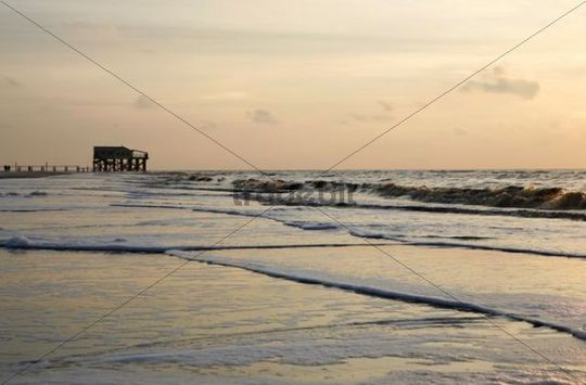 Evening mood in Sankt Peter-Ording, Eiderstedt peninsula, North Sea, Schleswig-Holstein, Germany, Europe