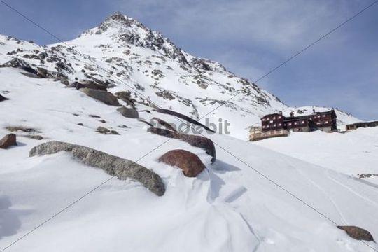 Ascent to Vernagthuette Hut, Wuerzburg Haus, Tyrol, Austria, Europe