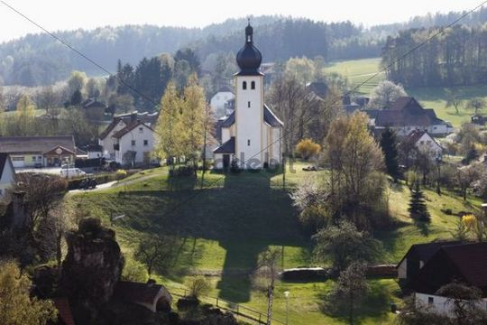Baernfels, with Maria Schnee daughter church, municipality of Obertrubach, Franconian Switzerland, Upper Franconia, Franconia, Bavaria, Germany, Europe