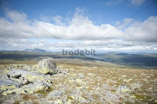 Panoramic view across moutnains, Fjaell and lakes from the summit of Mt Storvaetteshågna, Langfjaellet Nature Reserve near Groevelsjoen, Dalarna province, Sweden, Scandinavia, Northern Europ