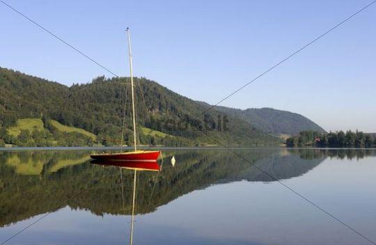 Red sailboat on Lake Schliersee, Upper Bavaria, Bavaria, Germany, Europe, PublicGround