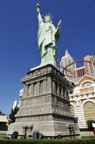 Statue of Liberty at New York Hotel and Casino, Las Vegas, Nevada, USA, North America, PublicGround