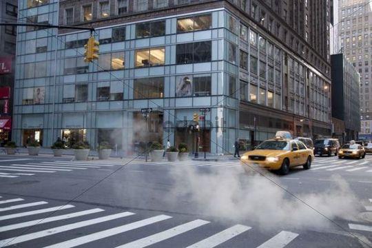Yellow cab, street scene, Manhattan, New York, USA
