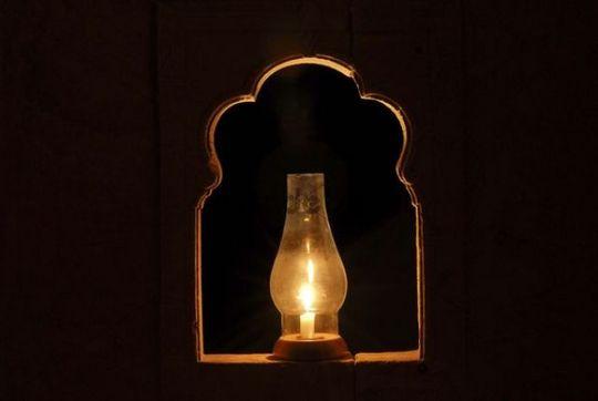 Oil lamp in a niche, Mool Sagar Heritage Hotel near Jaisalamer, Rajasthan, India, Asia