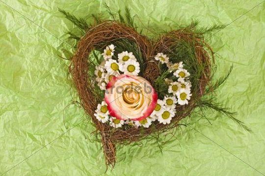 Flower arrangement, heart with rose