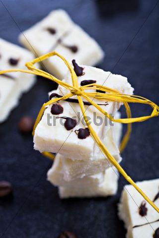 Domino cocos confectionery