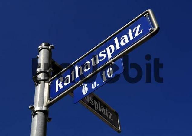 road sign Rathausplatz town hall