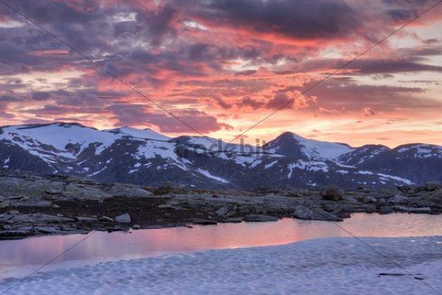 Mountains above Blakkådal, Blakkadal valley, Saltfjellet-Svartisen National Park, Nordland county, Norway, Scandinavia, Europe